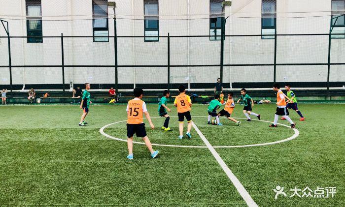 北京足球培训哪家好,多少钱 乐火青少年足球培训周末班 北京足球培训