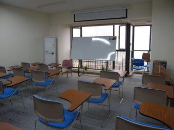 中加雅思国际英语培训学校(火炬校区)