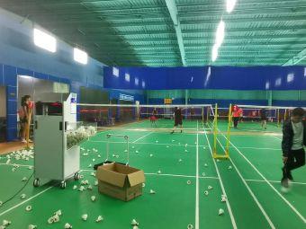初心羽毛球网球培训