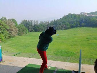 南山国际高尔夫球会会员专属球场停车场