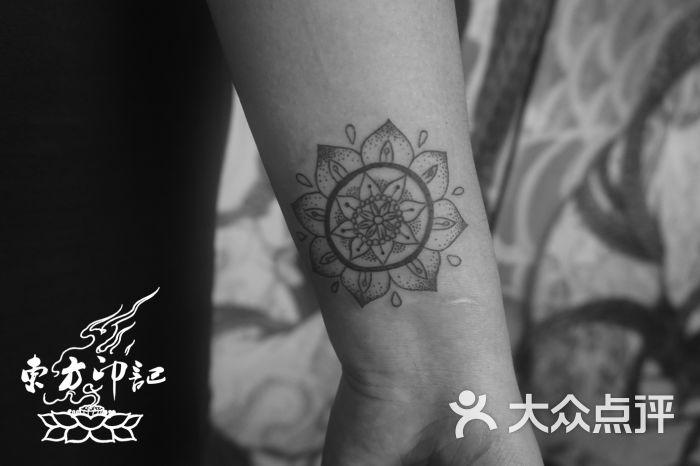 手腕梵花纹身——北京最好的纹身店图片
