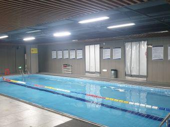 梵臣游泳健身