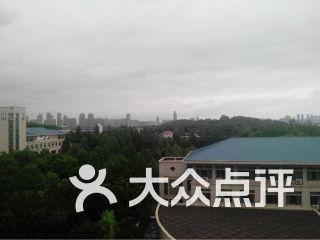 武汉大学经济与管理学院