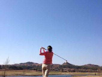 天湖岛高尔夫俱乐部