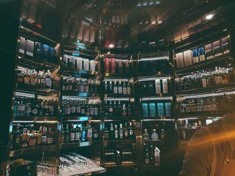 解药威士忌鸡尾酒吧