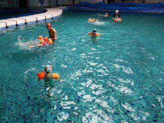 mcf亲子游泳俱乐部