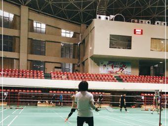 新兴体育馆灯光网球场