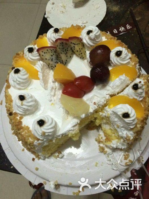 手绘龙猫生日蛋糕
