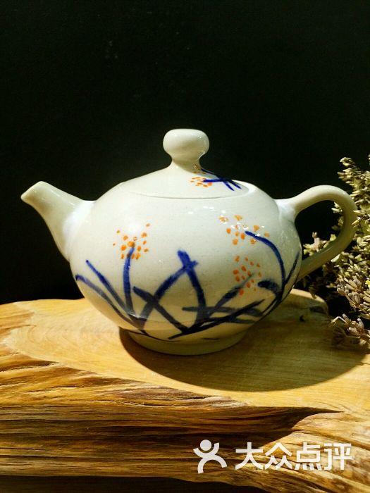依易diy陶瓷体验馆图片 - 第3张图片