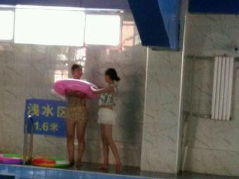西山运动场室内恒温游泳馆