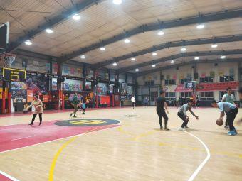 路人王·西宁美卡篮球中心