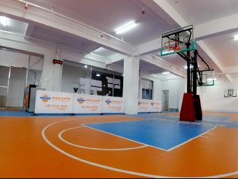 两米君篮球学院