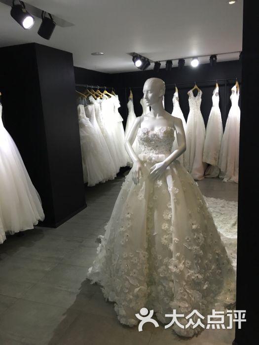 烟台海滨广场皇后婚纱_聚焦皇后国际婚纱馆