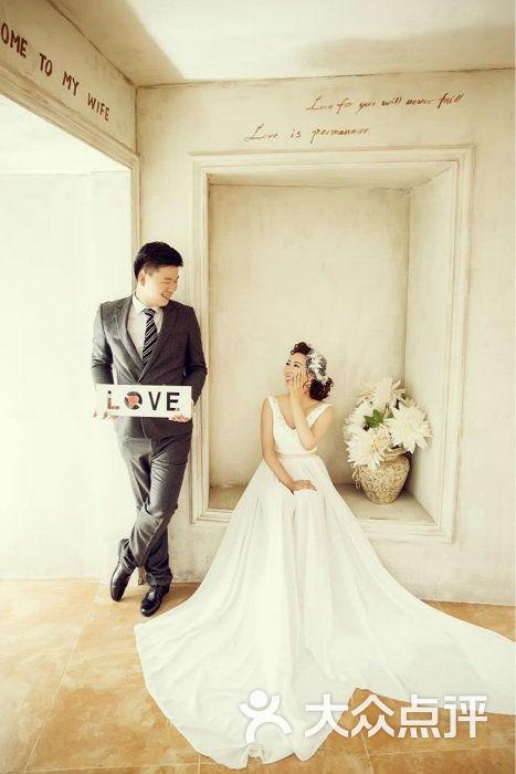 麦田映像婚纱摄影工作室