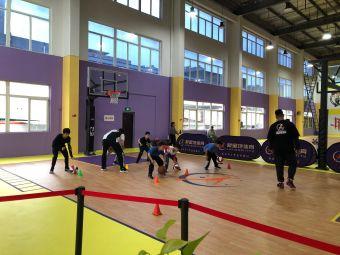 聚星地体育LA·篮球公园(贤都时代广场店)