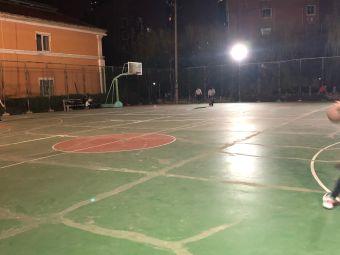 新桥花园篮球场