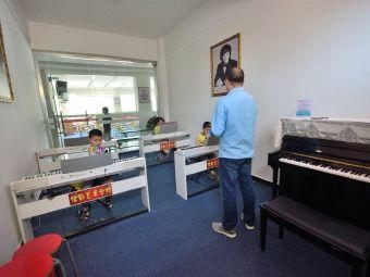 李佳佳钢琴艺术学校