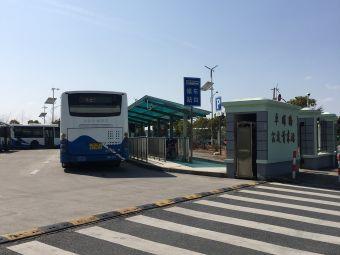 弗罗伦萨小镇停车场充电站