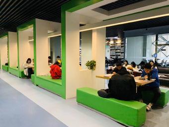 郑州工业技师学院图书馆