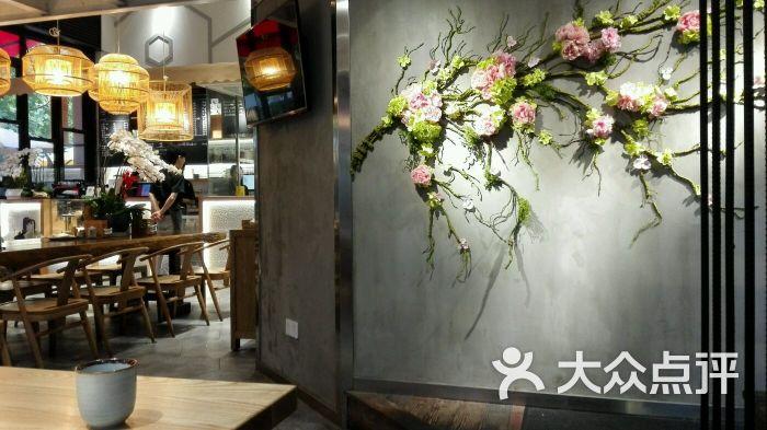 餐厅口布杯花步骤