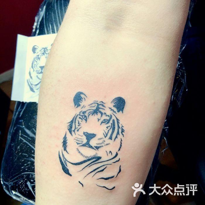 纹身刺龙堂dragon tattoo