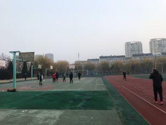 博伦中学球场