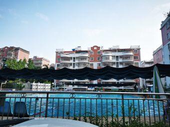 新城花园游泳池