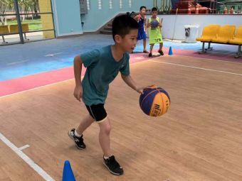 追风少年篮球俱乐部