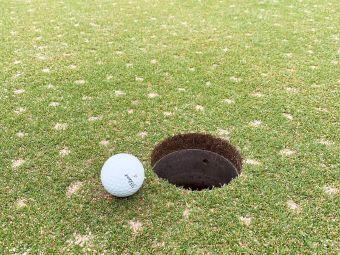 凤凰山高尔夫球场