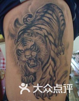上海火凤凰纹身工作室