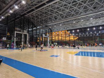 登顶体育会展中心篮球馆