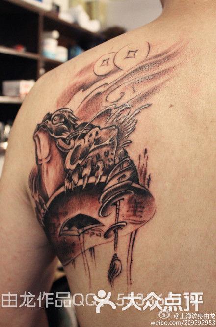 上海纹身由龙作品男生斜背招财金蝉纹身h图片
