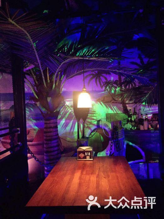 水货餐厅(佳木斯万达店)海盗主题 复古时尚餐厅图片 - 第6张