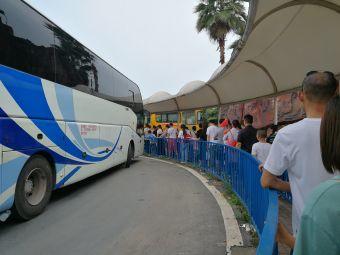 重庆野生动物世界乐和乐都主题公园度假群停车场