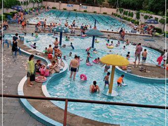阳光100经典时代游泳场