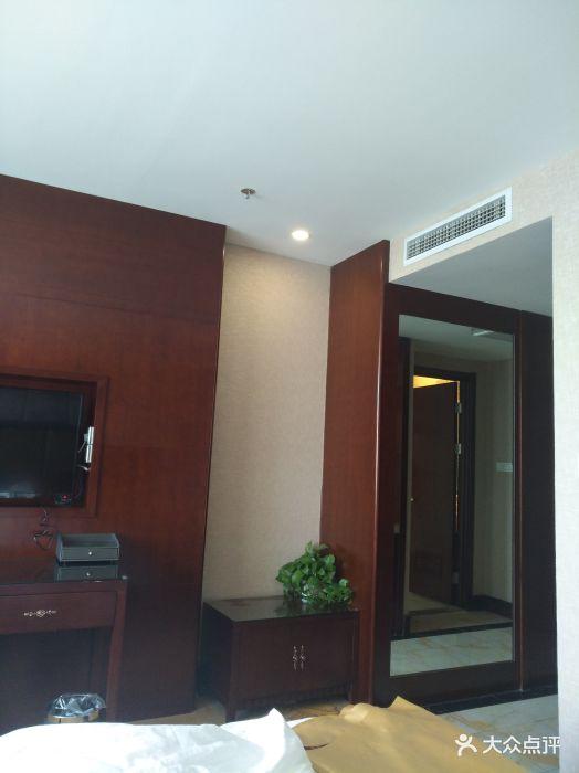 家居起居室设计装修524_700竖版竖屏2010绘制图的版样板视频图片