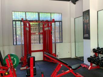 IRON BODY 健身工作室