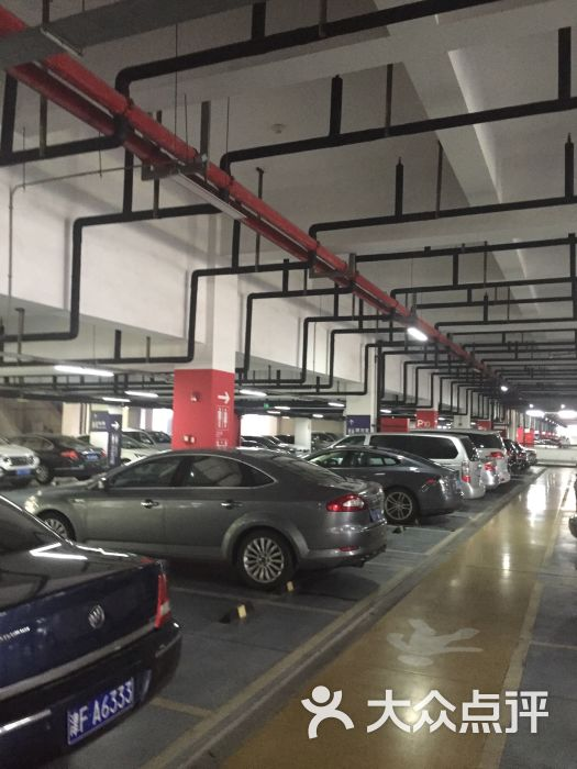 虹桥火车站停车场图片 - 第2张