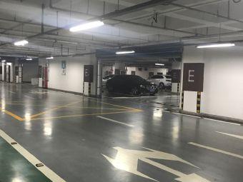 宽厚里停车场