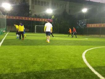 月牙塘公园兄弟连五人制足球场