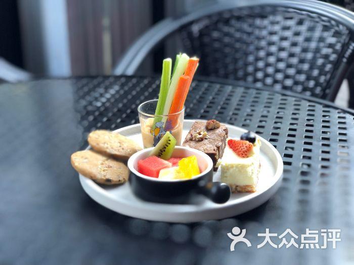 蓝蛙下午茶拼盘