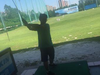 新领域高尔夫练习场