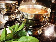 焱格格蔬食料理火锅(静安店)的番茄锅底