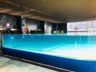 昆山皇冠假日酒店游泳池