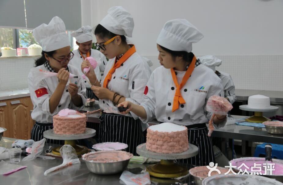 上海飞航国际学校美食-美食-香港教育培训上海老街图片图片