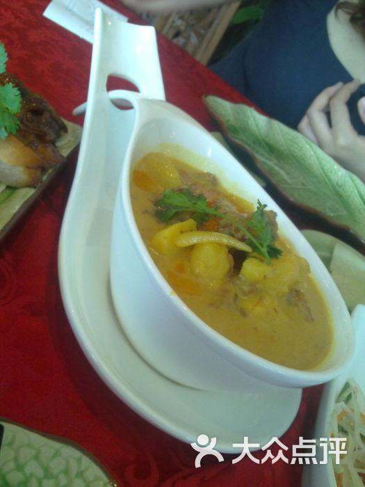 稻绿洲泰式火锅餐厅 黄咖喱牛腩图片