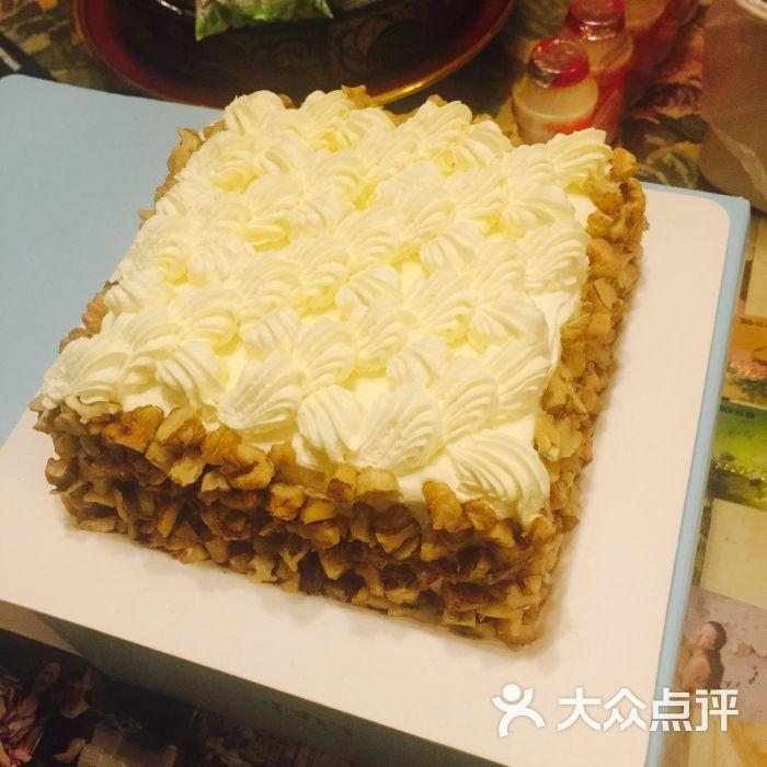第一款订的是祥云核桃,仅仅是因为自己馋了,想吃蛋糕了.