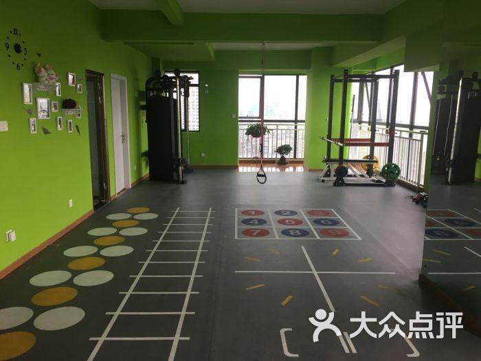 江汉区 港澳台风情街 健身中心 私教工作室 迪威尔私人健身会所 所有