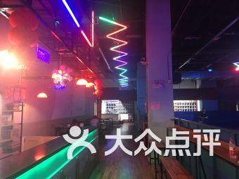 516溜冰滑轮(常发广场店)