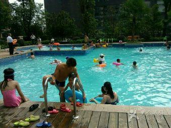 神憩乾珑游泳池